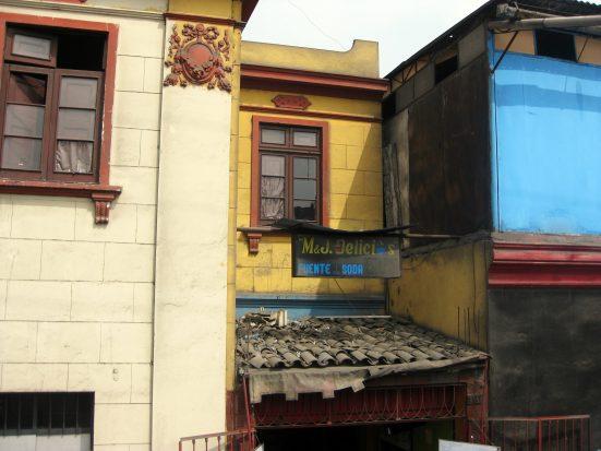 Random facade we passed in Barranco.